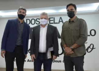 O prefeito de Niterói, Axel Grael, participou de um encontro com líderes religiosos, na última sexta-feira (9). Na reunião, que aconteceu na zona Norte da cidade, foram discutidas ações de combate ao coronavírus.